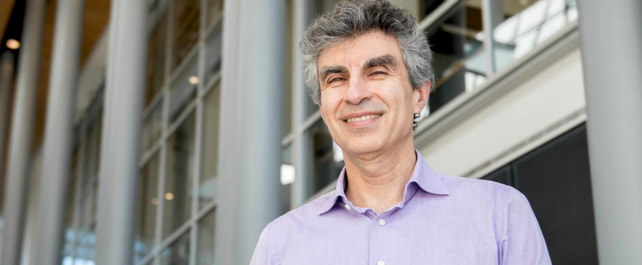 La Presse honours Professor Yoshua Bengio and graduates David St-Jacques and Andrée-Lise Méthot among its six personalities of the year.