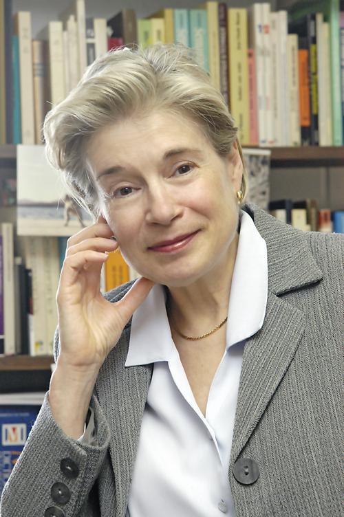 Mme Cormier dans son bureau du Département de linguistique et de traduction de l'Université de Montréal.