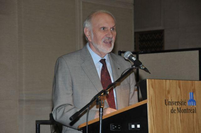 M. Hubert, vice-recteur à la recherche de l'UdeM, et Alain Fuchs, président du CNRS, ont signé le 4 octobre 2011 la convention de création d'une nouvelle Unité mixte internationale (UMI) adossée au Centre de Recherche Mathématiques et intitulée UMI-CRM, pour une durée de quatre ans renouvelable.