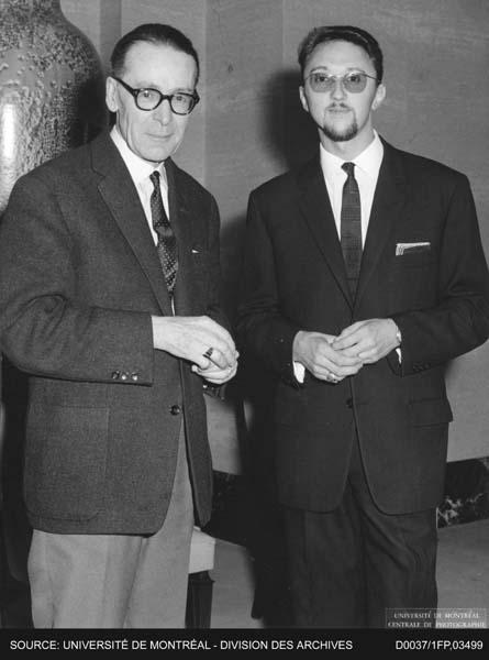 Photographie du professeur Henri Guillemin et de Bernard Beugnot, professeur agrégé au Département d'études françaises, lors de la conférence publique sous les auspices du Département d'études françaises. 15 octobre 1965, Montréal.
