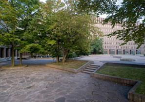 L'un des cinq espaces publics étudiés par Nicole Valois dans le cadre du projet : Les valeurs patrimoniales vues par le public. - @Valois, Nicole