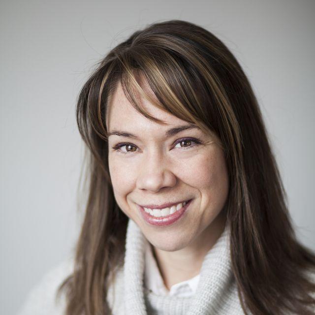 Catherine Régis est professeure agrégée à la Faculté de droit de l'Université de Montréal et titulaire de la Chaire de recherche du Canada sur la culture collaborative en droit et politiques de la santé. Elle est également chercheuse régulière au Centre de recherche en droit public.