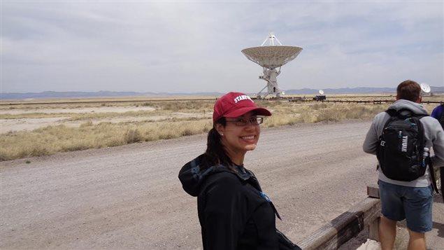 Il s'agit d'un champ de 27 antennes paraboliques, situé dans la plaine de San Augustin au Nouveau-Mexique (É-U) et qui ensemble, forment un radiotélescope. - © Julie Hlavacek-Larrondo